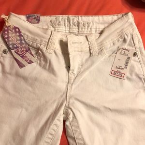 NWT ivory Wallflower jeans